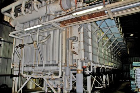 unité de dessalement thermique Ce type d'appareil thermique a été abandonné au profit d'installations en osmose inverse en 2006.