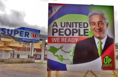 En 2014, les candidats politiques avaient installé, sur des terrains privés, des panneaux d'affichage au nom de plusieurs candidats aux élections parlementaires de Sint-Maarten.