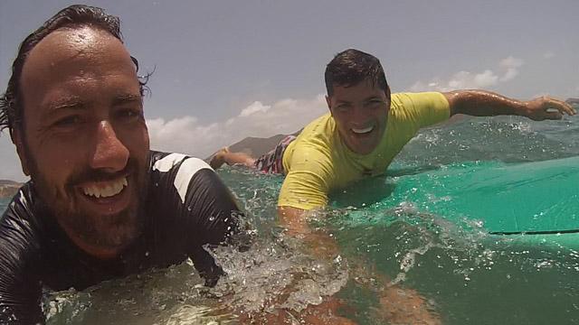 Cours de surf avec Bruschi : star de NFL