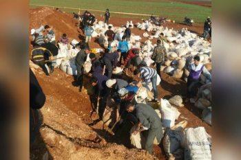 """""""شبان مدينة سراقب بدأوا بالتجهيز لمواجهة قوات النظام"""