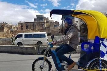 """سخر أهالي دمشق من قرار حكومة النظام السوري الذي وافق فيه على تجربة """"الباكسي"""""""