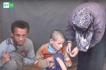 """السيدة """"وفاء"""" من مدينة الحولة بريف حمص الشمالي، اعتقل النظام السوري زوجها منذ قرابة 5 سنوات"""