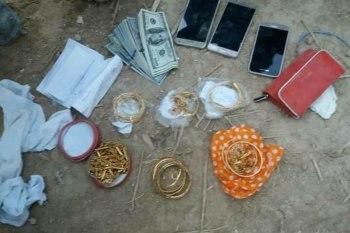 صورة المجوهرات والأموال التي عثر عليها الدفاع المدني أثناء البحث