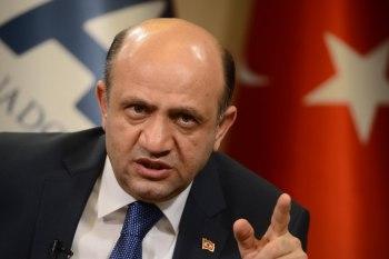 """نائب رئيس الوزراء التركي """"فكري إيشيق"""""""
