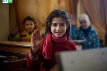 """ناشطون في الغوطة الشرقية يطلقون حملة """"أنا عايش"""""""