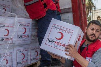 قافلة مساعدات إنسانية تدخل إلى عفرين