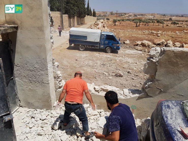 آثار الدمار الذي خلفه قصف النظام بريف حلب