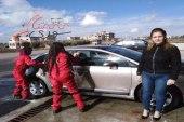 افتتاح أول مغسل سيارات للنساء في سوريا