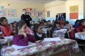 آلاف الطلبة السوريين بتركيا يتسلّمون شهادات نجاحهم بالفصل الأول