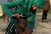 فاطمة تعتني بإخوتها بعد وفاة والدهم وترك أمهم لهم