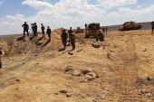 النظام يحتجز مدنيين بعد مغادرتهم مخيم الركبان!