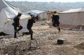 النظام يقصف مخيم ويقتل نازحين في إدلب