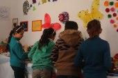 """جمعية """"نبع الحياة"""" تقيم معرضاً للأطفال في الرسم والأعمال اليدوية"""