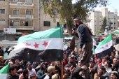 مظاهرة سلمية في مدينة إدلب إحياءً للذكرى الثامنة لمجزرة الساعة في حمص
