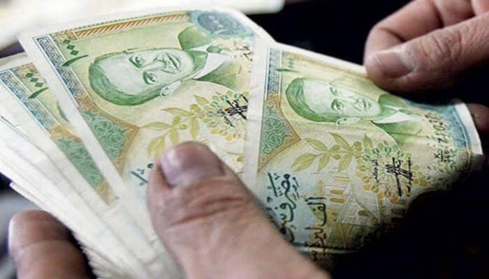 الليرة السورية تتهاوى أمام الدولار الأمريكي