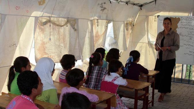 الجهات المانحة تعلن إيقاف الدعم عن 840 مدرسة في الشمال السوري