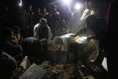 قذائف النظام وصواريخ روسيا توقع ضحايا من الدفاع المدني في إدلب.. والأخير يتساءل: من ينقذ المنقذ؟