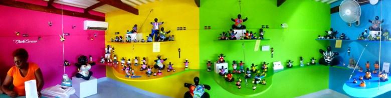 Chichi Figuren, Projekt für lokale Künstler mitten in der trockenen Pampa in Curacao