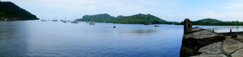 Ankerlieger in der Bucht von Portobelo