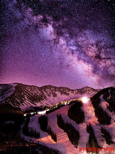 The Milky Way in Its Full Glory