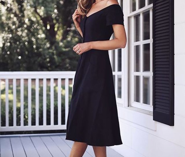 A Lbd Is A Classic Memorandums More Relaxed Dress With Flats Would Fit Right In With A Casual Themed Wedding Sydne Style Shows What To Wear