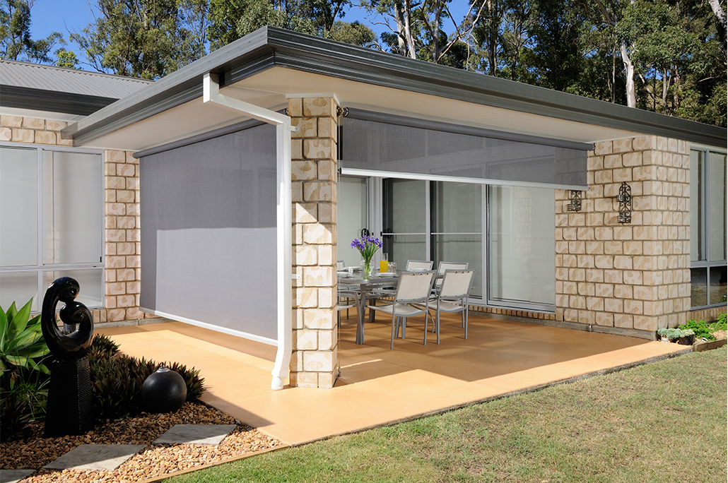 outdoor pvc and rectractable blinds