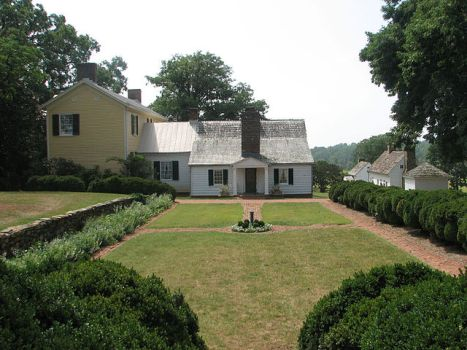 Photograph of Ash Lawn - Highland, home of President James Monroe, in Albemarle County, Virginia. Taken on August 29th, 2006, by RebelAt.