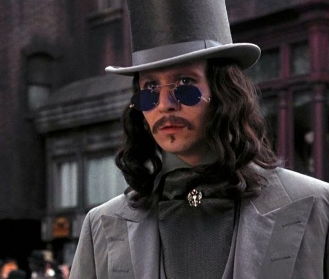 Syfy 57 Thoughts I Had While Watching Bram Stokers Dracula Syfy Wire
