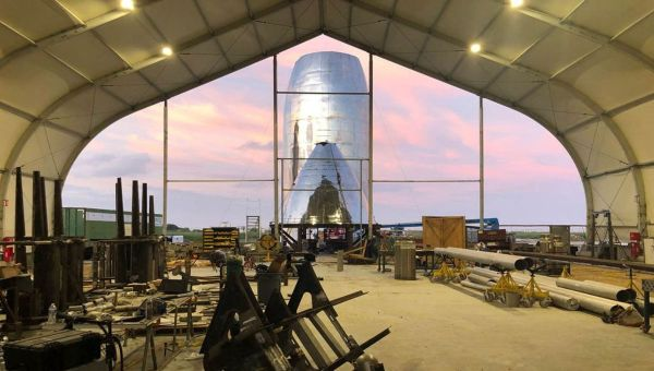 Elon Musk is prototyping his next Starship in the droid junkyard on Tatooine