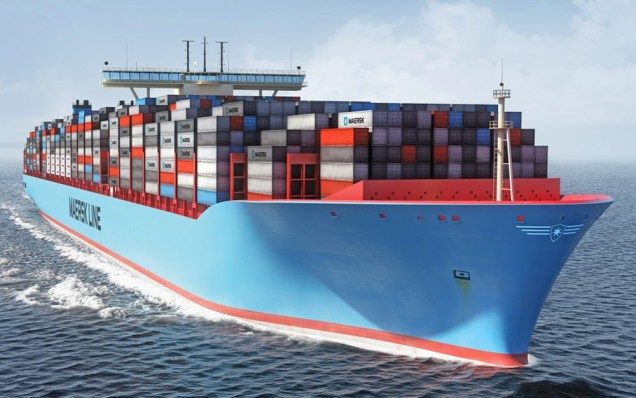 Barco transportando cargas com CTe Aquaviario