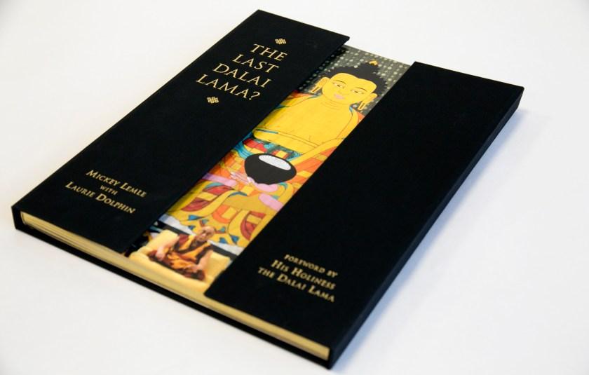 SYL muestra sobriedad y elegancia en libro de lujo el ultimo Dalai Lama 01
