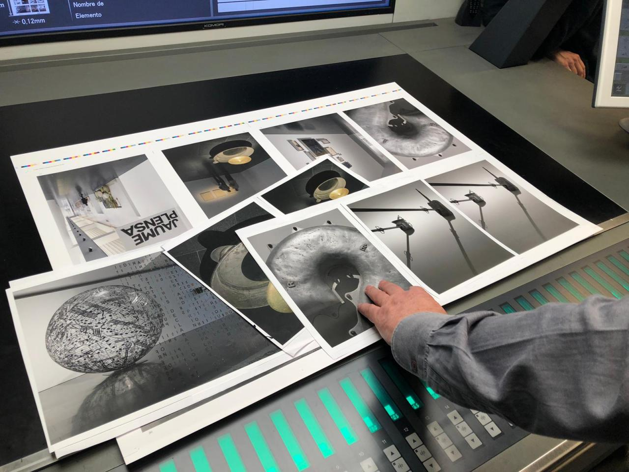SYL produce el catalogo de la exposicion de Jaume Plensa en el MACBA pruebas preimpresion