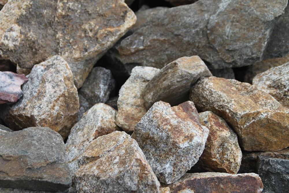 Pedra da bochecha por cubo