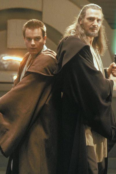Obi-Wan-Kenobi-and-Qui-Gon-Jinn-qui-gon-jinn-and-obi-wan-kenobi-4252507-401-600