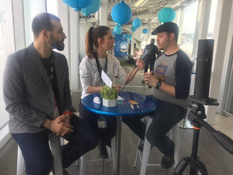 Une entrevue de groupe, réalisée au Web à Québec.