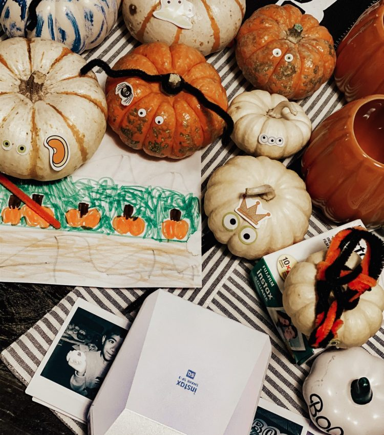 Easy Halloween Pumpkin Decorating Ideas for Toddlers & Kids