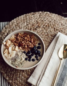DAIRY FREE PEANUT BUTTER BANANA SMOOTHIE BOWL RECIPE featured by top San Francisco healthy lifestyle blogger, Sylvie in the Sky.
