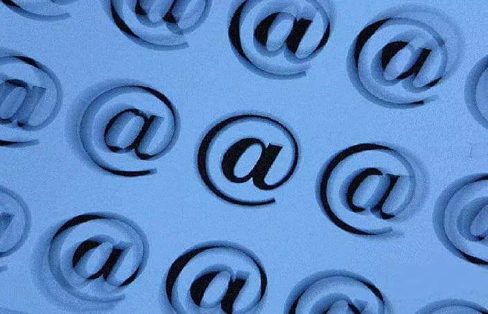 Emails versenden