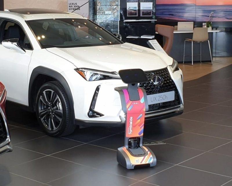 témi chez Lexus