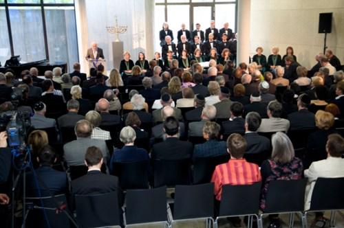 Ariowitsch-Haus, Saal, während der Eröffnungszeremonie