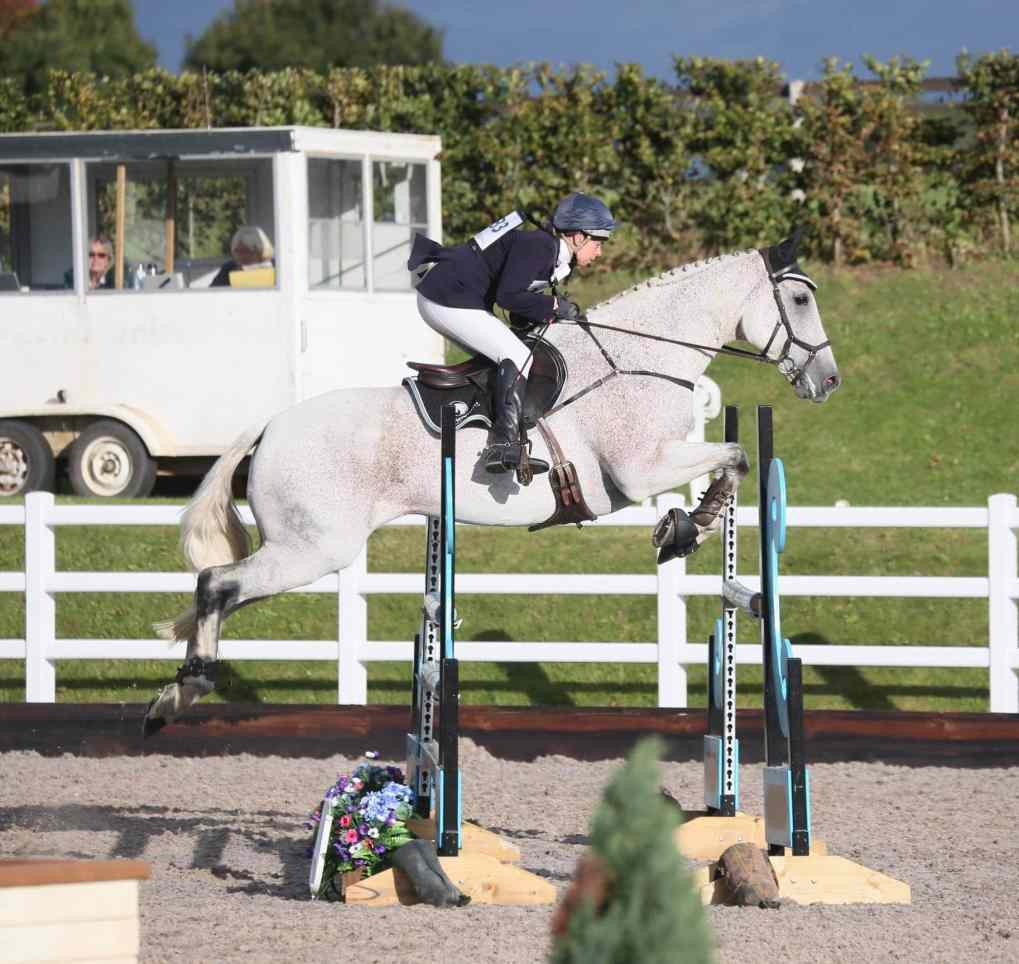Rebecca Vale Eventer Synovium Supplements Matt Nuttall Photography