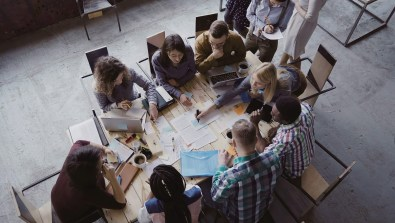 crisis-management-team-meeting