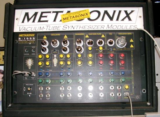 Modular synthesizer Metasonix Wretch machine