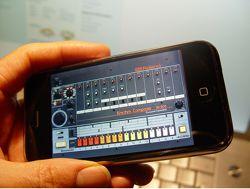 iPhone TR-808