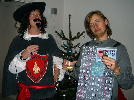 christmas-synthesizer