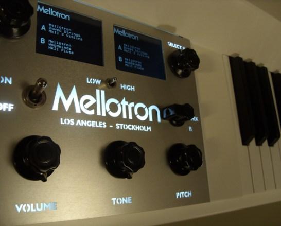 digital-mellotron-keyboard