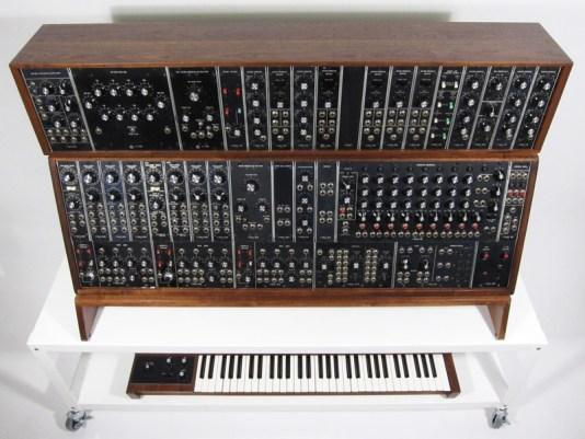moog-synthesizer