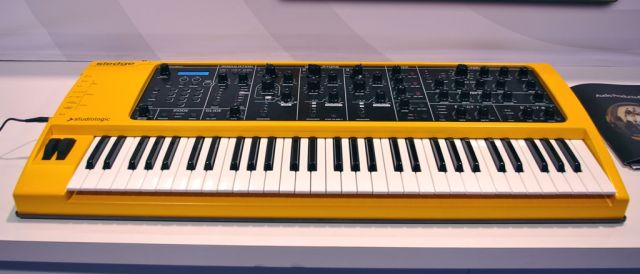 Studiologic Sledge synthesizer