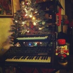 synthmas-synth-christmas