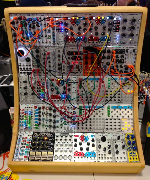 eurorack-modular-synthesizer